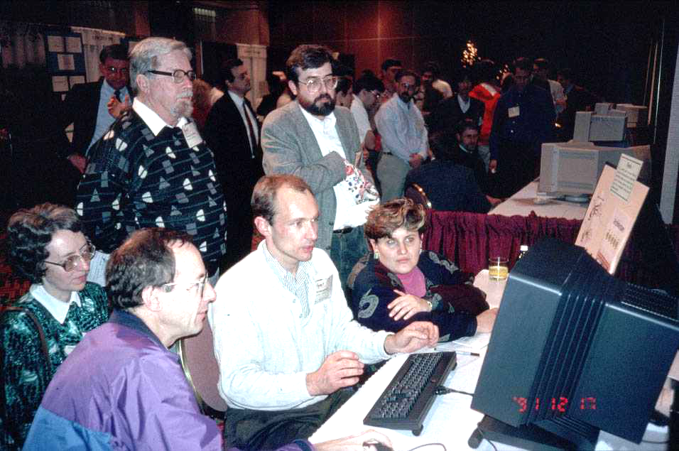 Tim Berners-Lee demonstrates the World Wide Web to delegates at the Hypertext 1991 conference in San Antonio, Texas [CERN-IT-9112021-01]