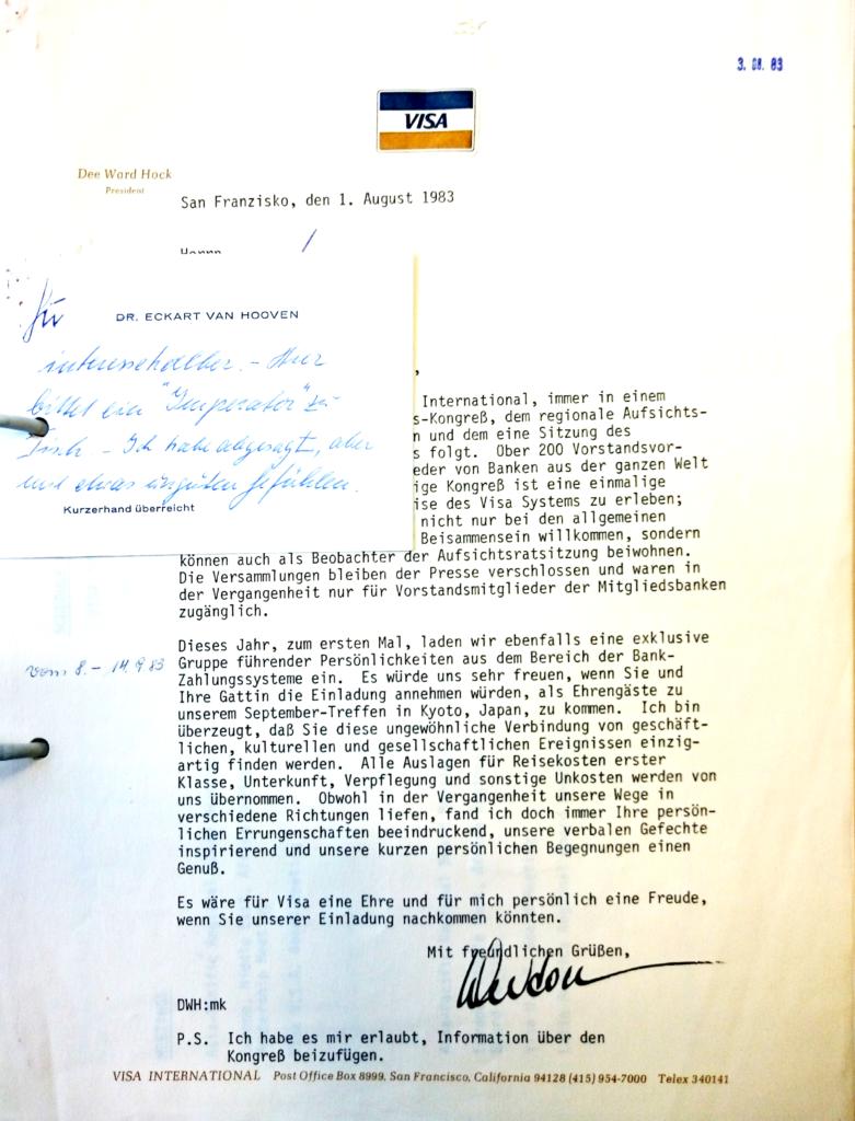 Invitation letter from Dee Ward Hock (Visa) to Eckart van Hooven (Deutsche Bank), with handwritten commentary. August 1 and 3, 1983. Historisches Institut der Deutschen Bank, Frankfurt am Main, V19/0258